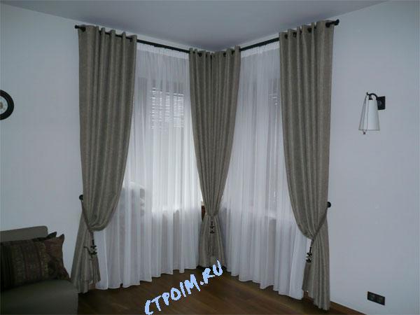 Дизайн спальни с угловыми окнами фото